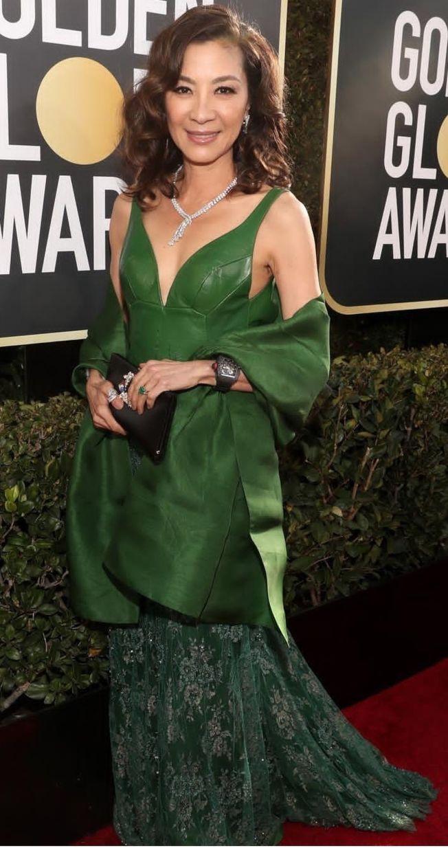 楊紫瓊走紅毯時,被發現戴著《瘋狂亞洲富豪》片中那顆戒指。(Instagram)