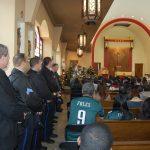 費城華警車禍重傷 社區逾300人祈福
