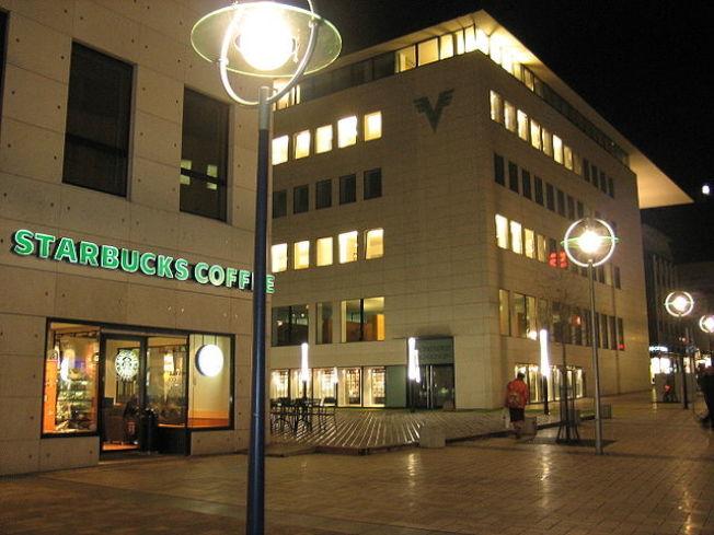 星巴克全球展店3萬家,圖為德國多特蒙德一家分店外觀。(維基百科)