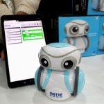 CES展╱Q萌機器人 教你寫程式