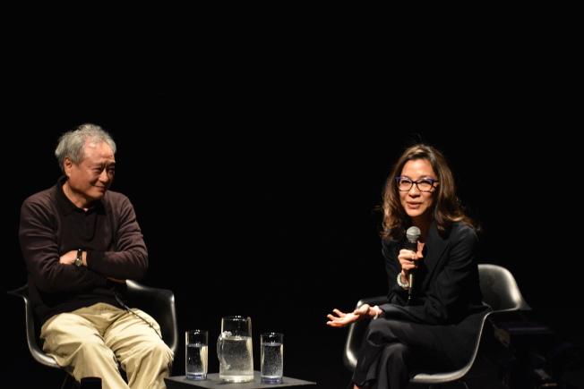李安(左)與楊紫瓊(右)合作的電影「臥虎藏龍」曾獲得2001年奧斯卡最佳外語片,被視為目前電影史上最成功的外語片之一。(記者顏嘉瑩/攝影)