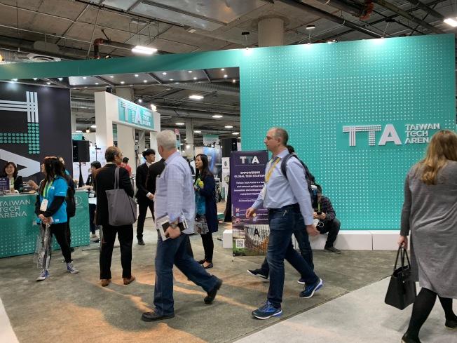 消費性電子展(CES)本周在拉斯維加斯舉行,中國廠商的參與明顯減少,而AI、5G、自駕車、健康照顧等是今年亮點。(圖:葉至誠提供)