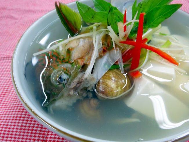 青衣蛤蜊湯。(圖:周承俊提供)