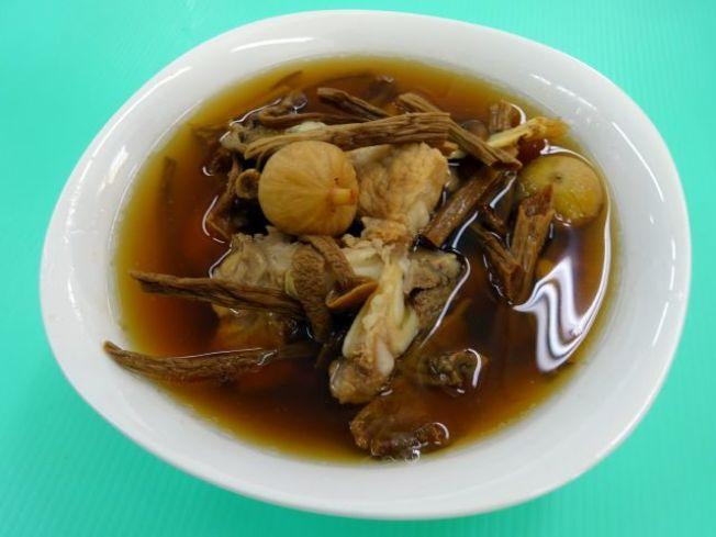 清燉牛雜湯。(圖:周承俊提供)