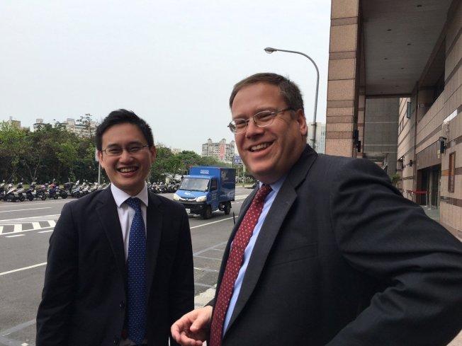 趙怡翔(左)。 報系資料照片