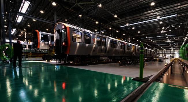春田中車公司為麻州捷運署製造的首批橙線地鐵日前下線,今年起即將陸續上路。(麻州捷運署網站)