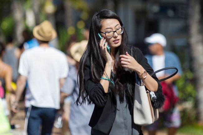 專家建議,如果真的付不出醫療費,應做的第一件事就是打電話與醫院磋商,醫院或許能通融並減輕欠費。(Getty Images)