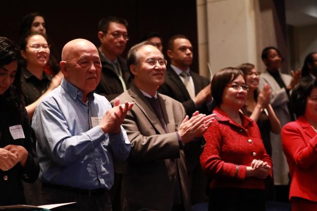 國會亞太裔黨團小組成員在國會山莊宣誓就職,各族裔社區領袖到場觀禮。(記者羅曉媛/攝影)