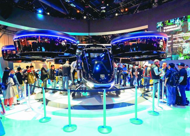 美國貝爾公司8日在拉斯維加斯消費電子展展出可垂直起降的Nexus空中計程車。(路透)