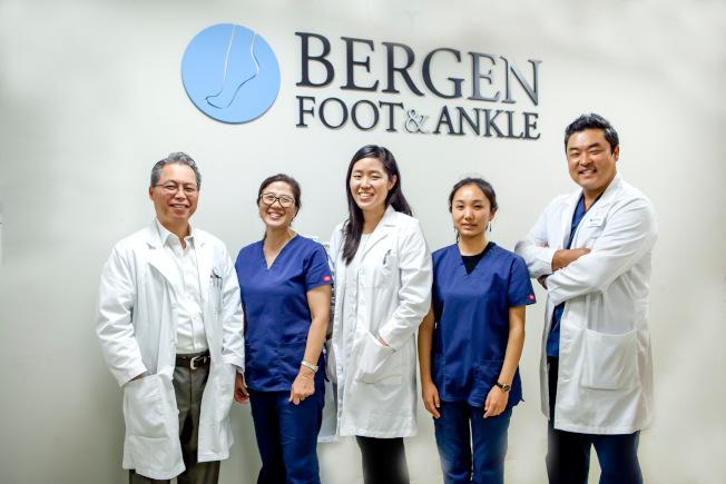 博根大都會腳科診所聘華人醫師(中)駐診及助理,語言溝通完全沒有問題。