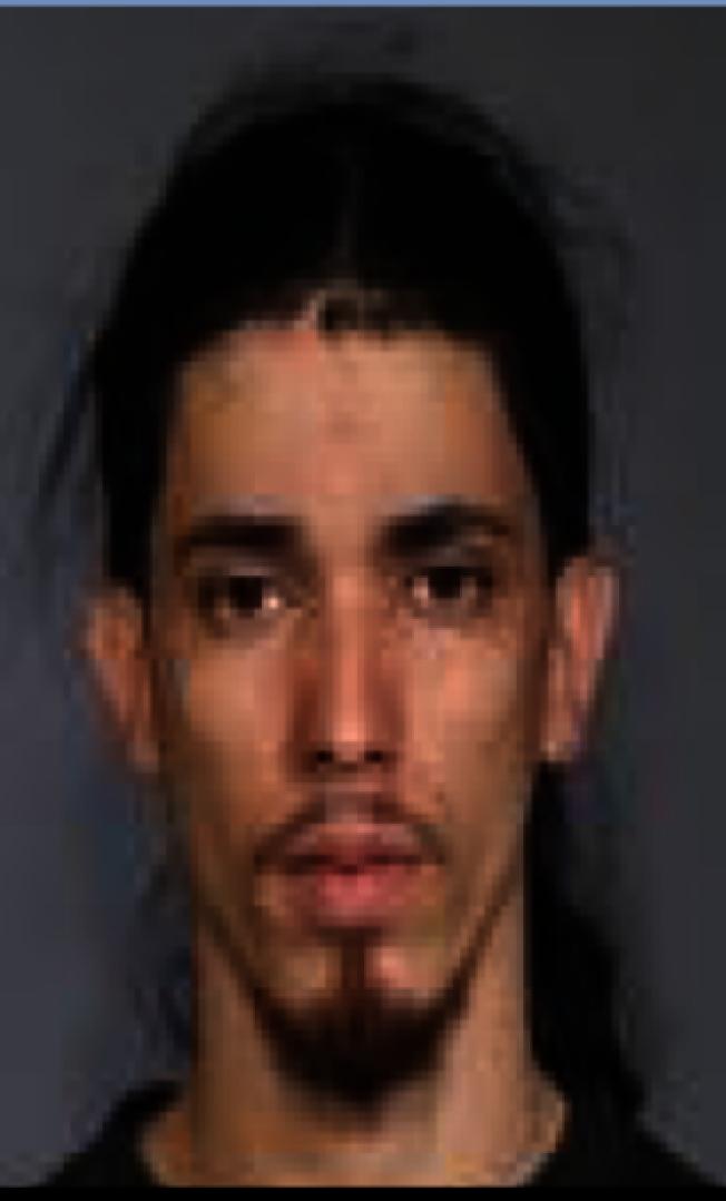 男子涉嫌在法拉盛和大學點多次盜竊汽車。(警方提供)