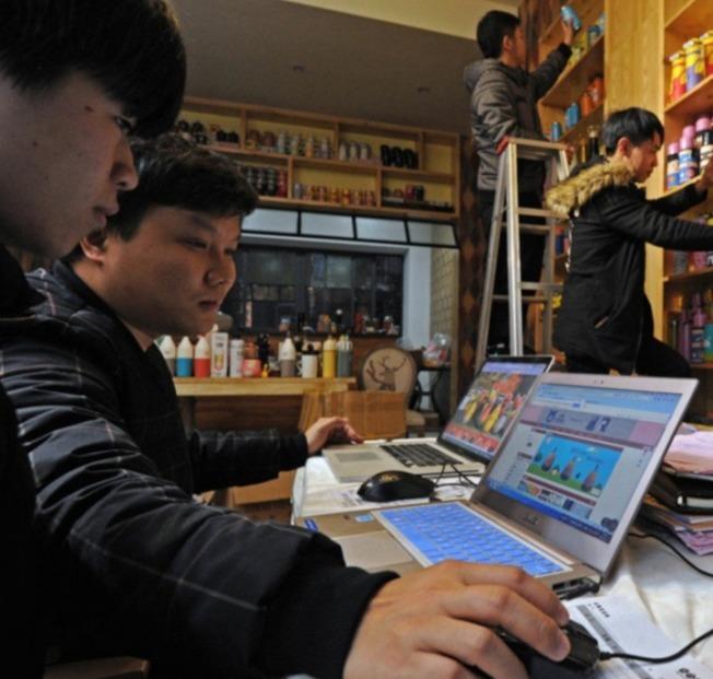 使用虛擬私人網路「翻牆」,將對使用個人開罰。(新華社資料照片)