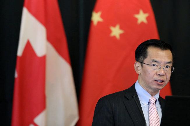 中國駐加拿大大使盧沙野挺孟晚舟,批加拿大雙重標準。(路透資料照片)