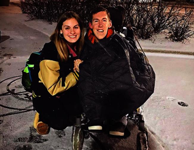 為了改善身障人士面臨污名化的狀況,兩人決定成立YouTube頻道改變社會。取材自Instagram