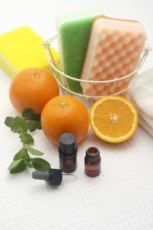 過農曆年打掃,可以自製清潔劑。
