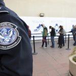 我都快排到了~  政府停擺逾3周  移民案件延3年