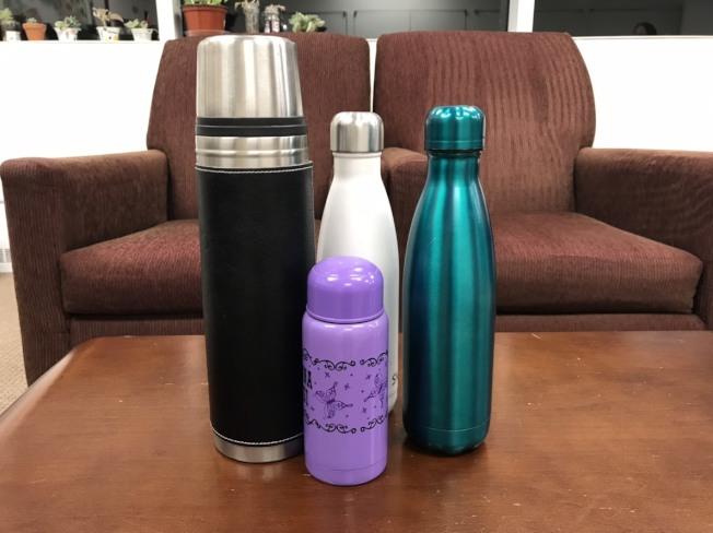保溫瓶是許多人冬天隨身必備品,如不重視清潔,小心變成細菌溫床。(王若馨/攝影)