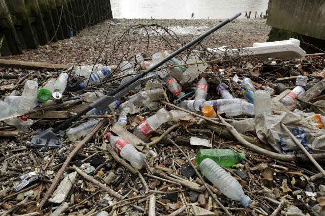 調查指,新州海灘垃圾逾八成為塑膠製品。(美聯社)