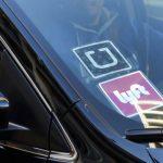 機場航控員無償上班 兼職開Uber賺錢