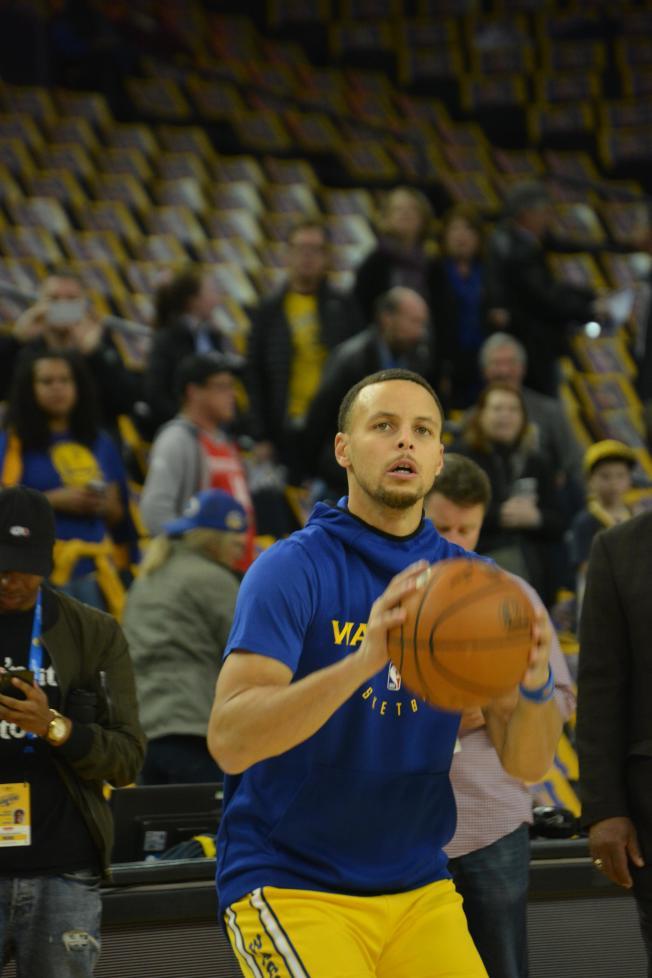 36--柯瑞生涯總三分超越特裡,上升到NBA第三位。(記者劉先進╱攝影)