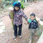 為跟79歲婆婆活下去 雲南4歲男童每天上山扛芭蕉