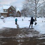 降雪餘波 大華府多學區周二推遲上課