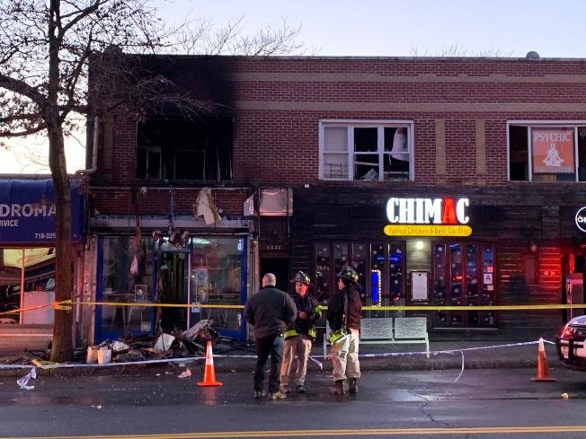 貝賽一間冰淇淋店二樓15日下午發生火警,導致兩名受害者嚴重受傷。(記者賴蕙榆/攝影)