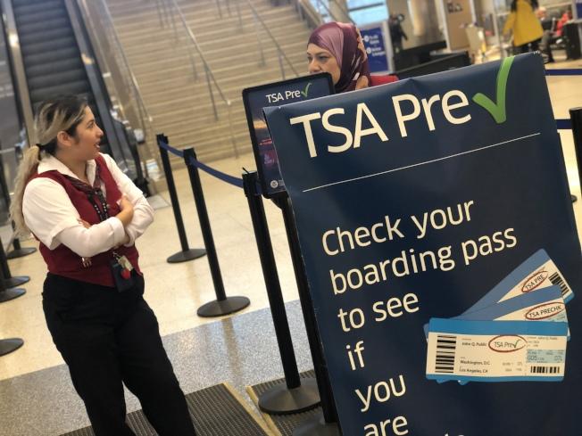 政府停擺影響了數以萬計的TSA保安人員。(記者王千惠/攝影)