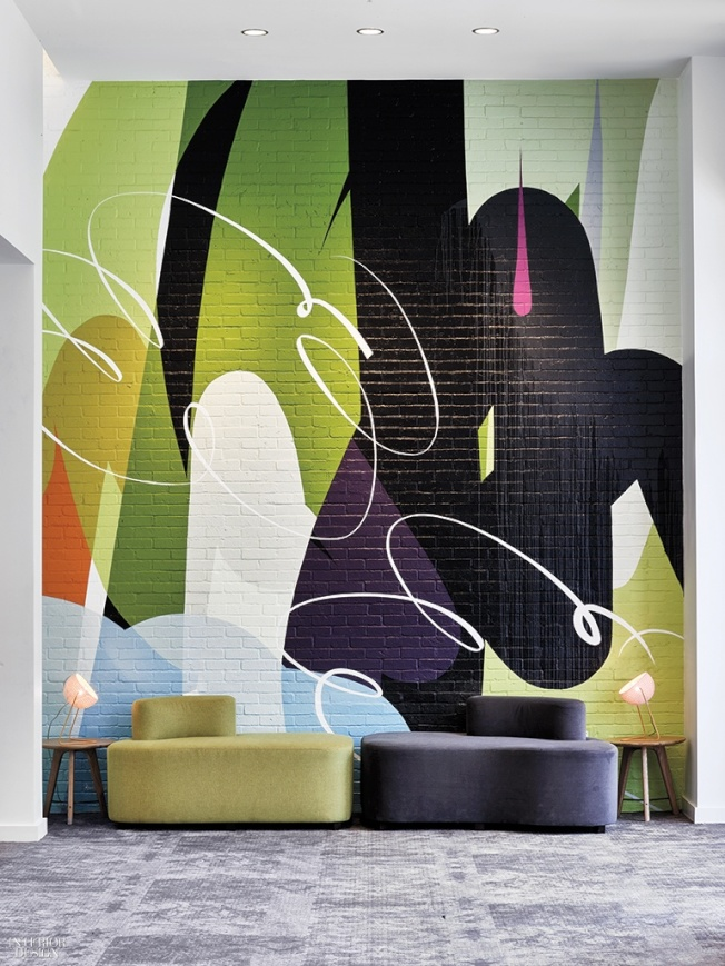 藝術品中的顏色可以作為挑選裝飾品的依據。(劉唯亭提供,設計公司:Rottet Studio)
