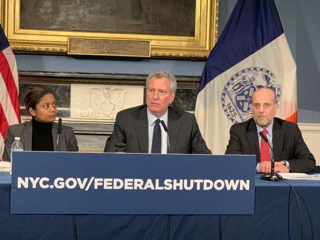 白思豪:政府持續關門 聯邦補助金年底前將耗盡