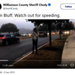 提醒減速 福遍警局立假看板