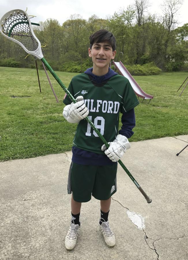 15歲的艾森(見圖)一年前被友人父親的手槍誤擊頭部而喪命後,他的父母積極呼籲聯邦和康州立法,以加強槍支的安全保管,防止落入兒童之手。(美聯社)