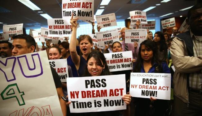 移民維權團體已力推紐約州夢想法案多年,但過去六年間都折戟州參議會。(Getty Images)