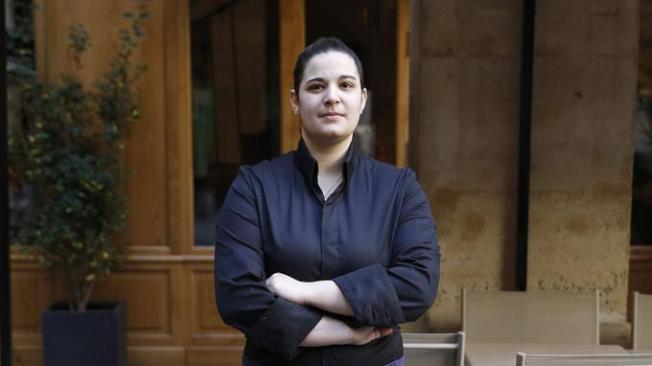 24岁的年轻女主厨塞德福贞(Julia Sedefdjian),她的新餐厅Baieta获得一星 。(Getty Images)