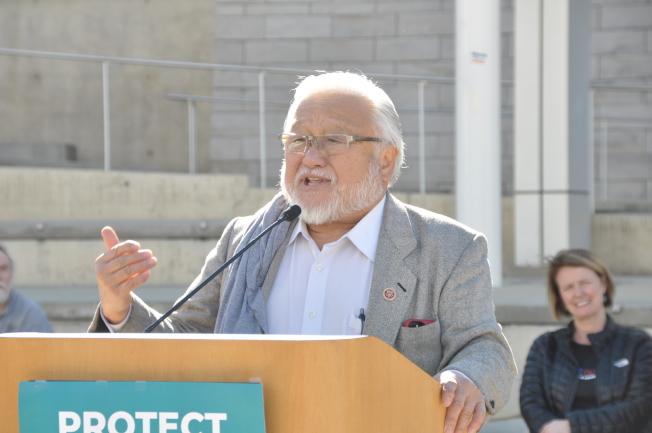 前國會議員本田也到場支持保護野狼溪活動,並表示,政府決策時,應該為了下一代考量。(記者林亞歆/攝影)