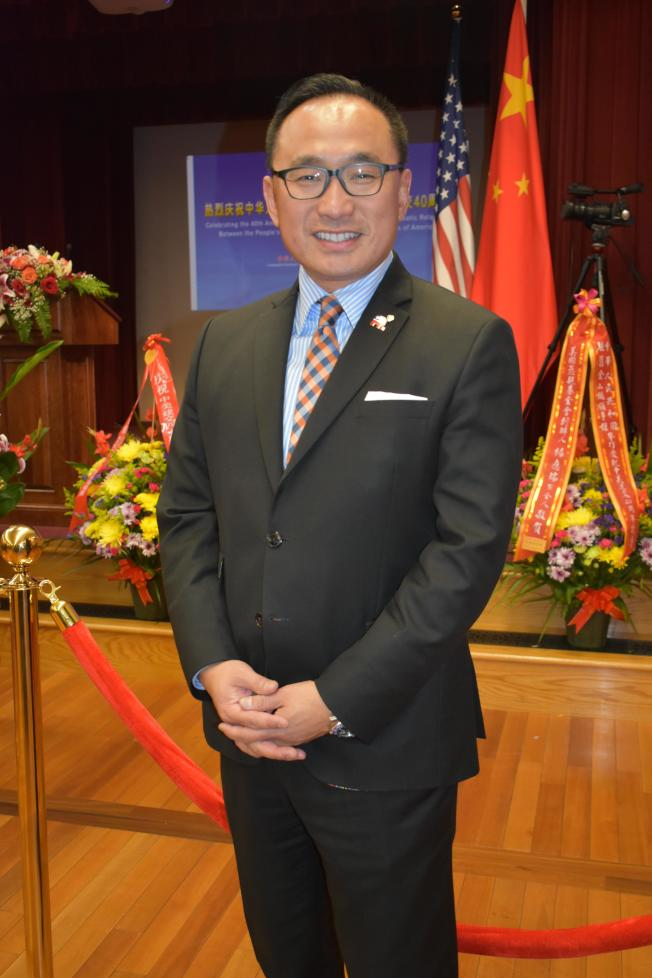 郭宗政出席中國駐舊金山總領事館美中建交40周年招待會時,表達了在加州共和黨創造華人歷史的信心。(記者黃少華/攝影)