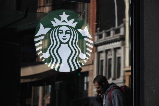 星巴克頻頻以創新招數吸引顧客。Getty Images