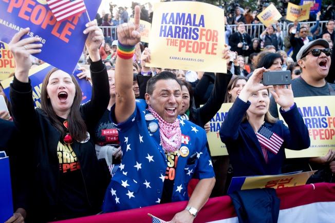 拥有非裔血统的加州联邦参议员贺锦丽宣布进军白宫,获得家乡奥克兰(屋仑)民众热情支持。(Getty Images)
