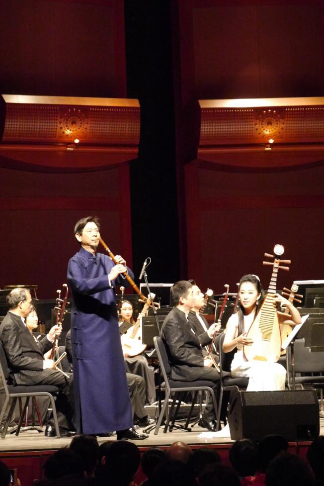 王次恒的簫與趙聰的琵琶完美結合的《春江花樂夜》,堪稱中國傳統音樂的經典。(記者劉偉/攝影)
