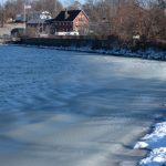 〈圖輯〉入冬後最冷一天 紐約海邊冰雪交融