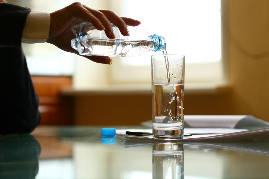 喝水。 圖/ingimage
