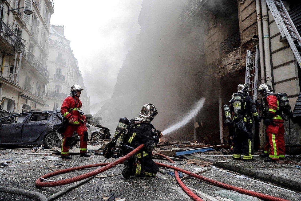 12日法國巴黎驚傳氣爆意外,已知2名消防員死亡,50人受傷。Getty Images