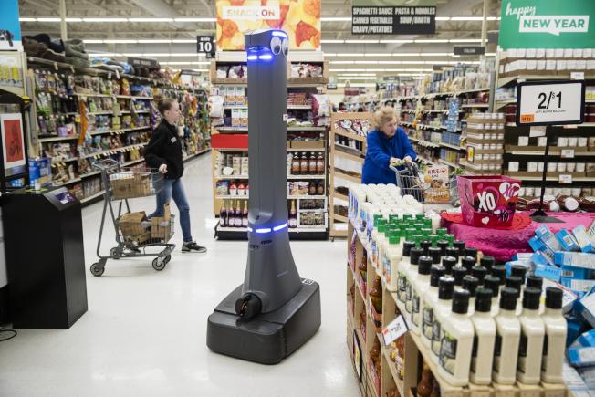 對許多家庭來說,需要找到一些不必耗費太多時間、卻能省下雜貨用品購物費用的有效方法。(美聯社)
