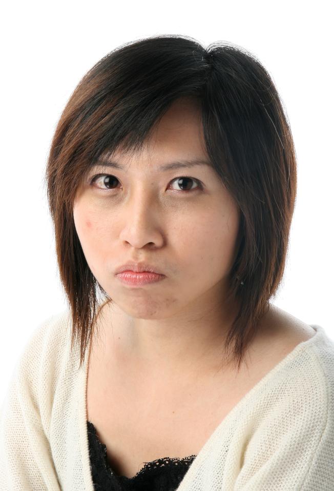 冷敷可以幫助消除黑眼圈。(本報資料照片)