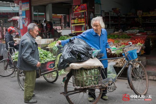 羅應玖維持動物園開銷的來源,除了門票收入外,還貼進去自己部分退休金。(取材自微信)