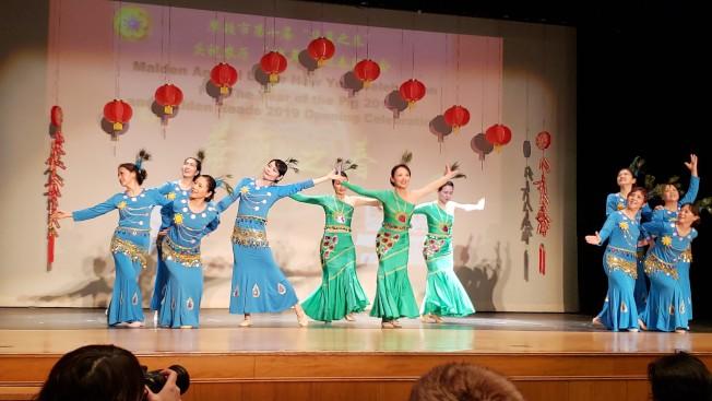 諾華製葯公司舞團表演「彩雲之南」。(記者唐嘉麗/攝影)