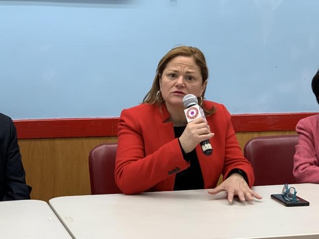 馬麗桃表示,支持市府關閉雷克島監獄計畫,但也批評市府決策過程缺乏社區參與。(記者和釗宇/攝影)