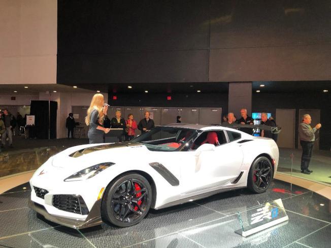 雪芙蘭 Corvette ZRD搭載了6.2公升V8引擎,擁有755匹馬力。