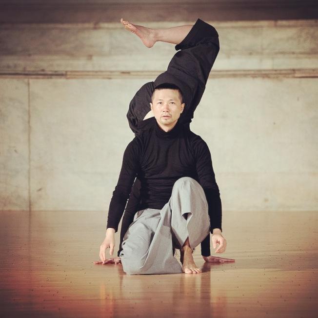 回廣磊希望用舞蹈幫華人發聲。(回廣磊提供)