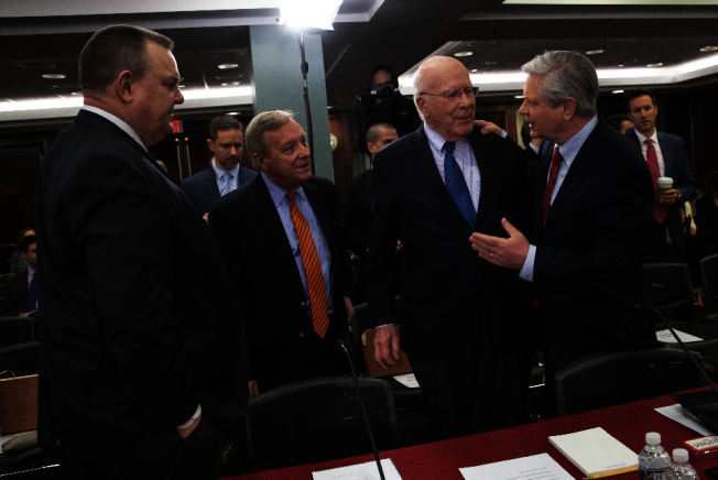 參院共和民主兩黨參議員上月底協商,民主黨拒絕款給川普總統築牆。(美聯社)